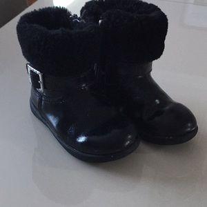 UGG girl's boots 🥾